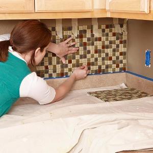 Технология укладки мозаики на фартукр кухни